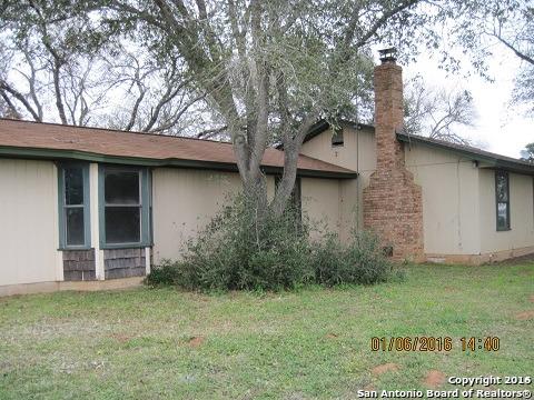 1461 State Highway 123, Stockdale, TX 78160