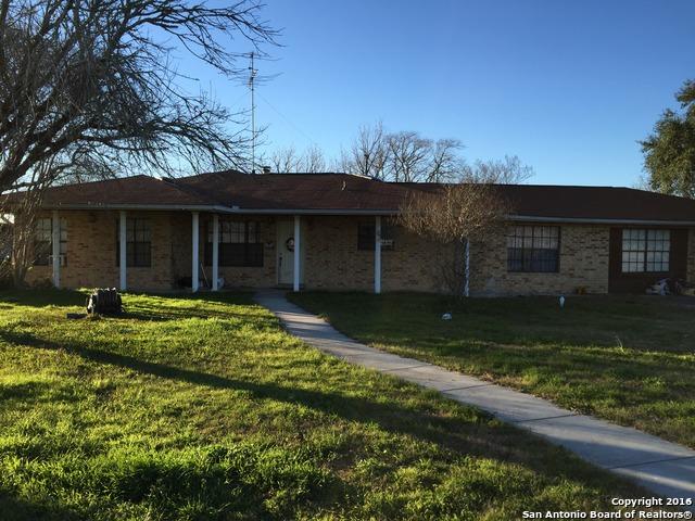 8330 Boenig Rd, Seguin, TX 78155