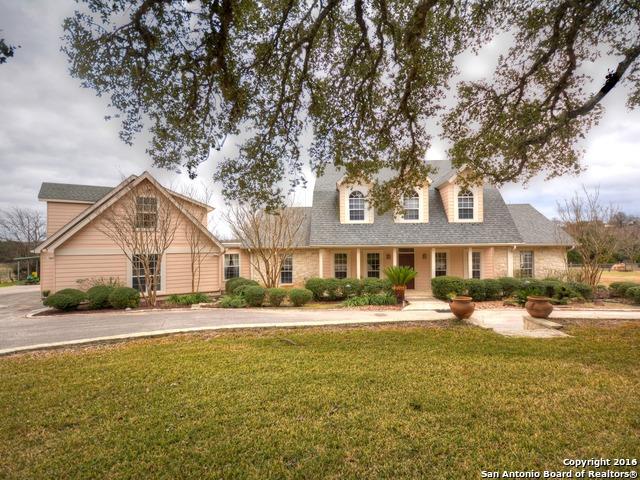 13 Walnut Grove Rd, Boerne, TX 78006