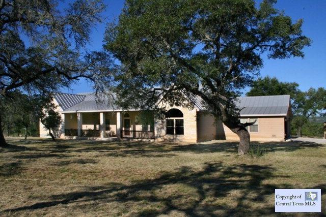 156 Madrona Ridge Dr, Bandera, TX 78003