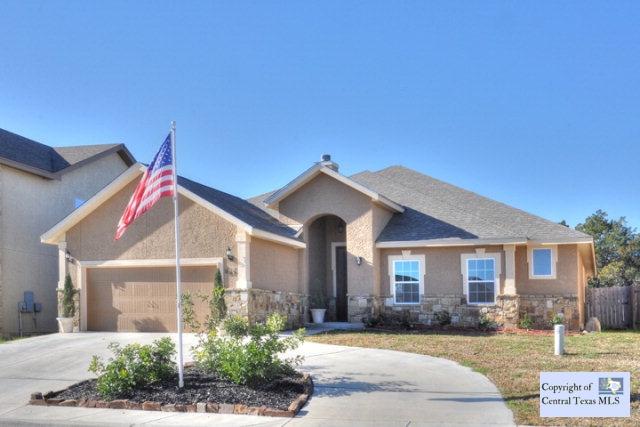 827 Lodge Creek Dr, New Braunfels, TX 78132
