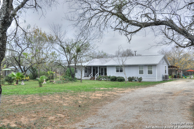 14525 Bradley Rd, Atascosa, TX 78002