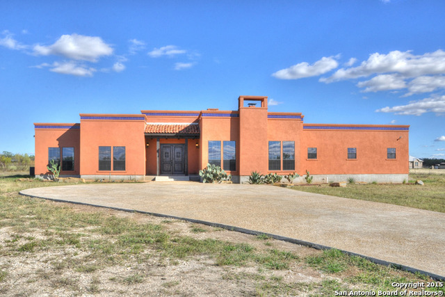 347 County Road 578, Castroville, TX 78009