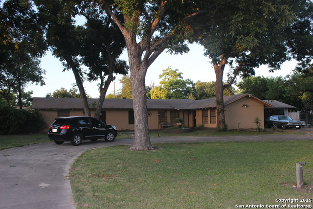 2723 Woodbury Dr, San Antonio, TX 78217