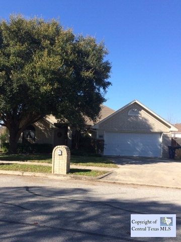 611 Summerwood Dr, New Braunfels, TX 78130