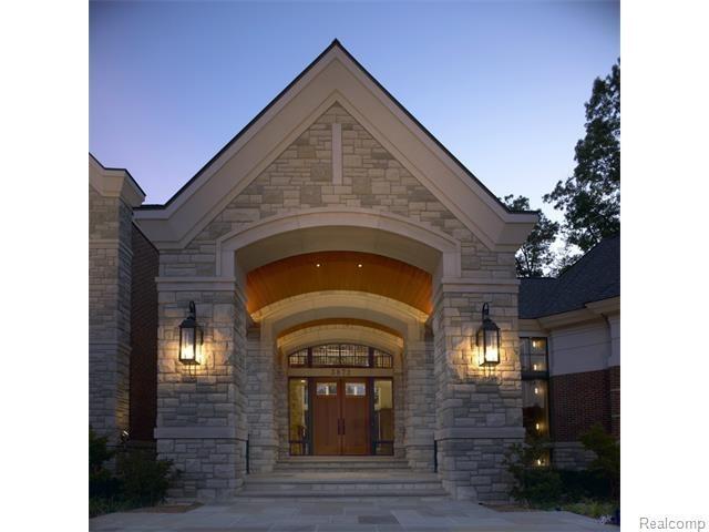 3872 Walnut Brook Drive, Rochester Hills, MI 48309