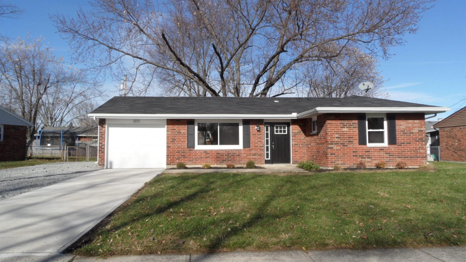 1017 Mayfield Dr, Troy, OH 45373