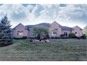 314 Countryside Dr, Troy, OH 45373