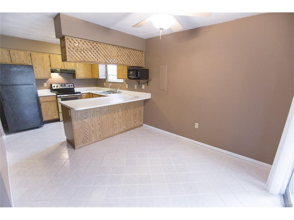 2390 Pelican Rd, Beavercreek, OH 45431