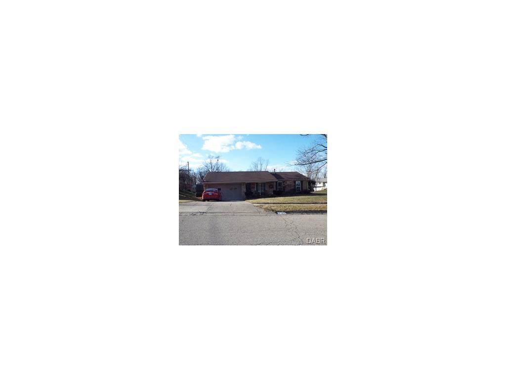 741 Cransberry Dr, Westcarrollton, OH 45449