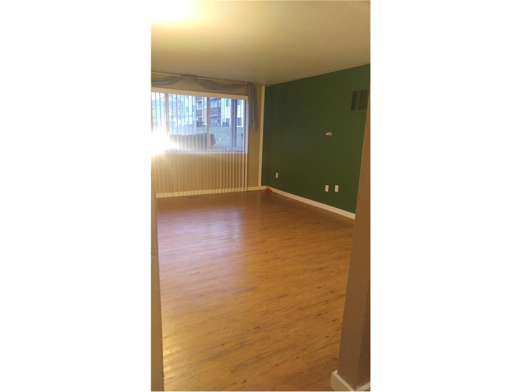 5605 Coach Dr, Kettering, OH 45440