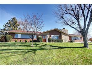 6130 Millshire Dr, Centerville, OH 45459