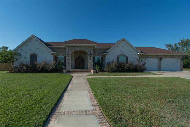 10045 Jason Ct, Beaumont, TX 77705