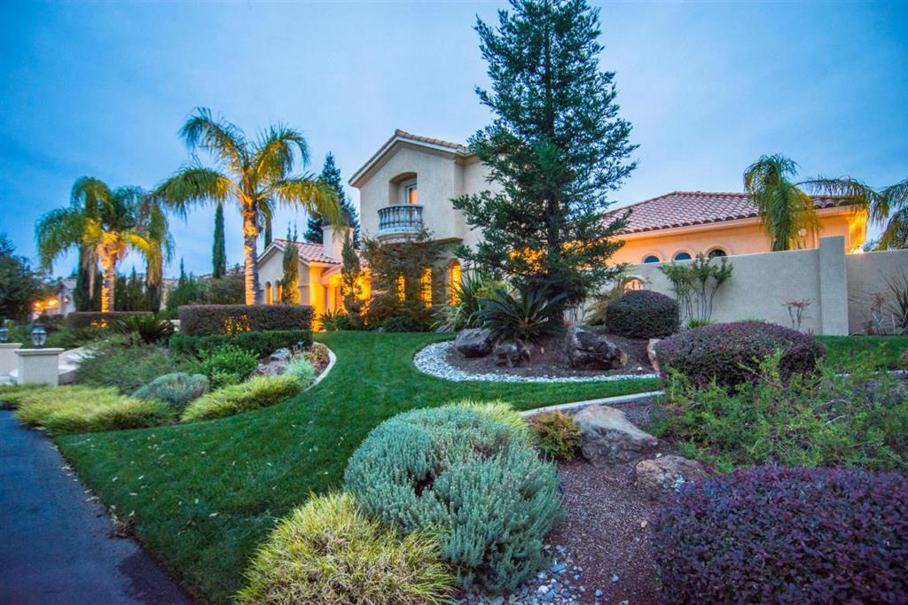 844 Santa Cruz, Redding, CA 96003