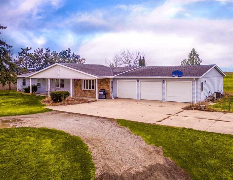 11927 S County Line Road, Decatur, IN 46733