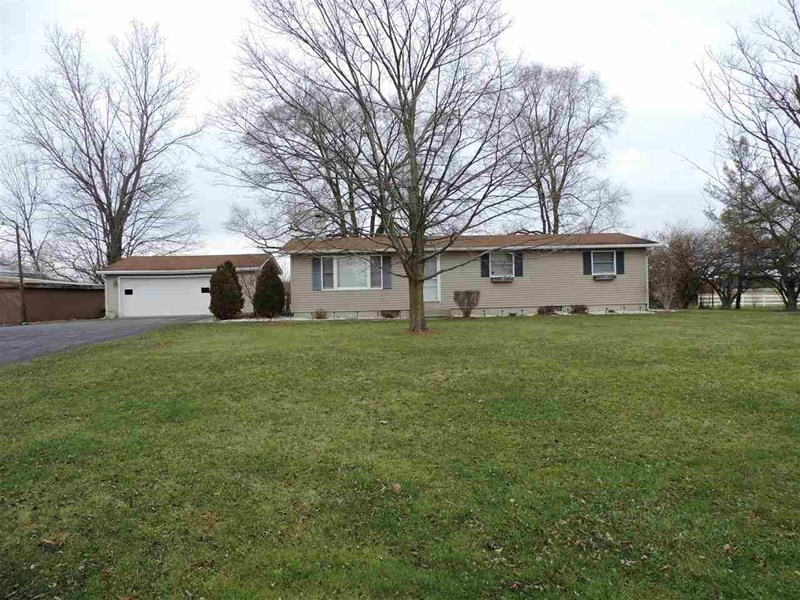 3569 County Road 52, Auburn, IN 46706