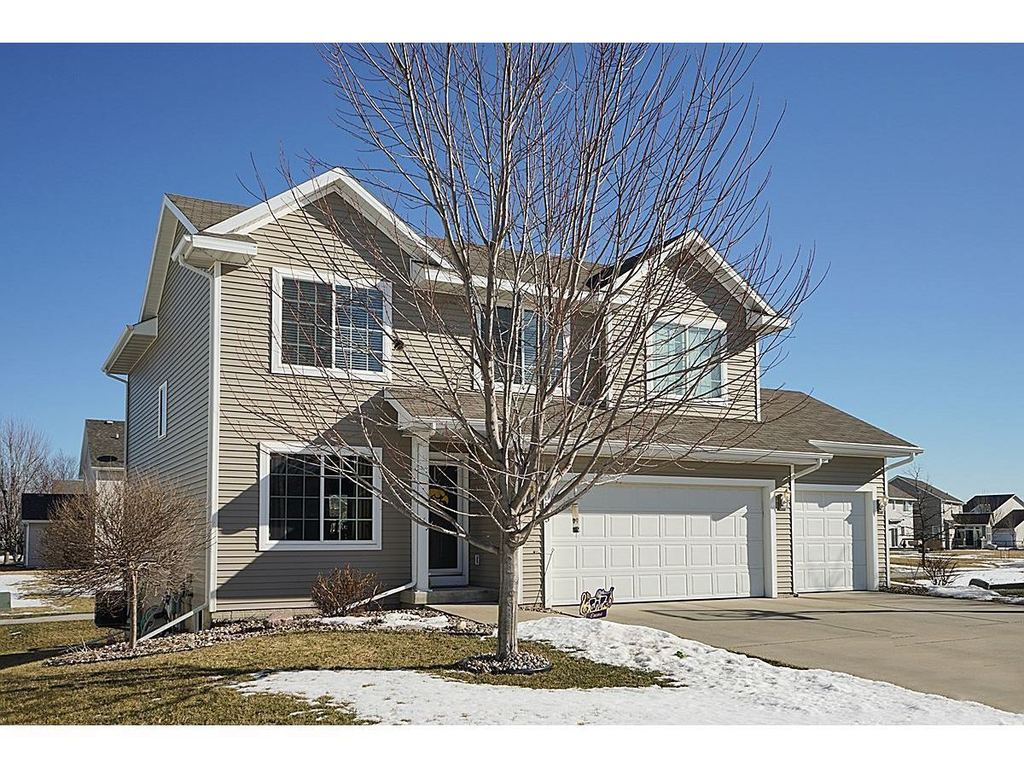 1085 SE Bluegrass CIR, Waukee, IA 50263