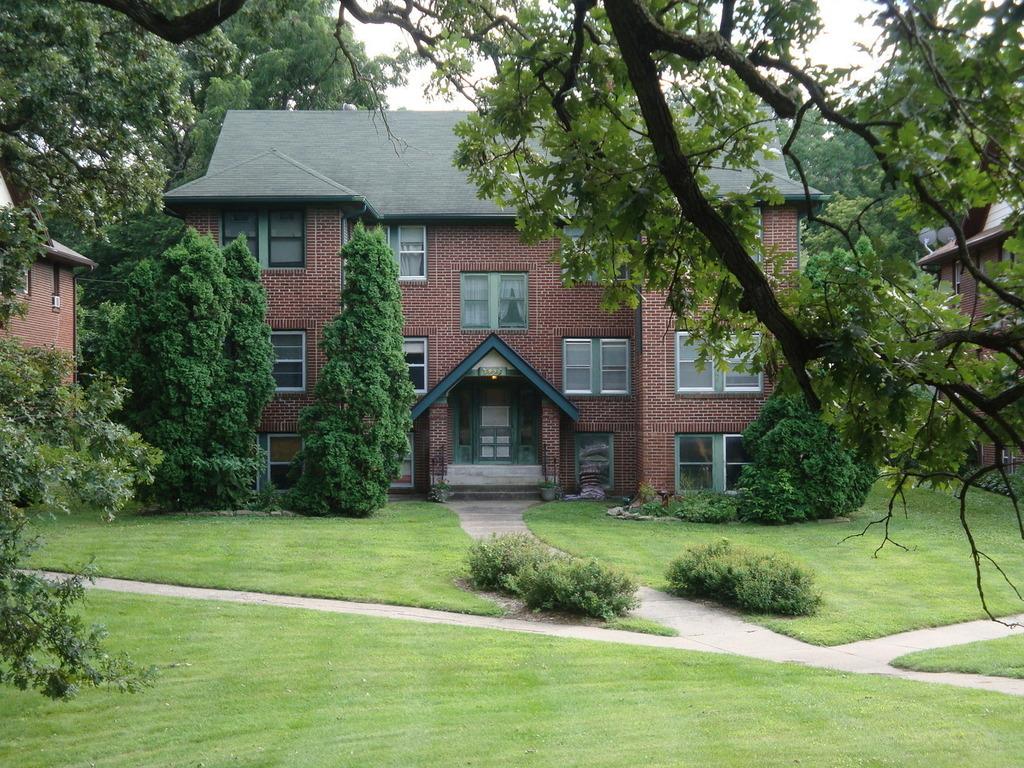 3936 University AVE 5, Des Moines, IA 50311