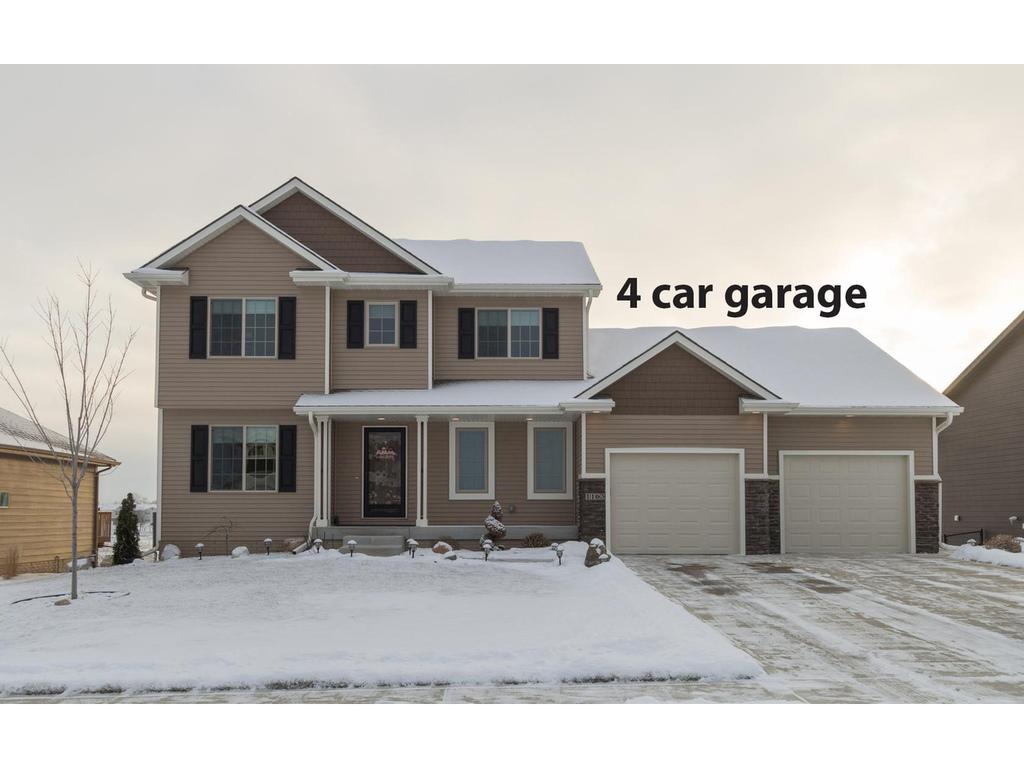 1163 90th ST, West Des Moines, IA 50266