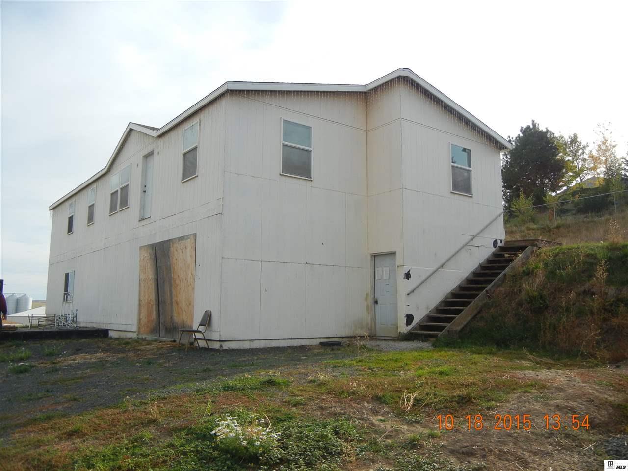 501 E Sunset Avenue, Genesee, Idaho 83832-8711