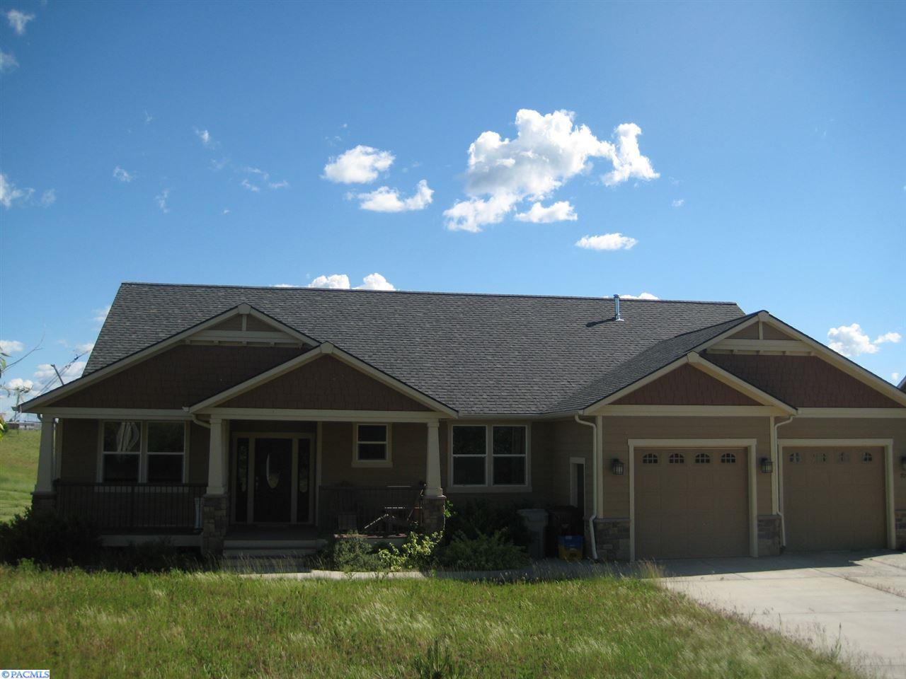 705 Nw Palouse View Drive, Pullman, Washington 99163