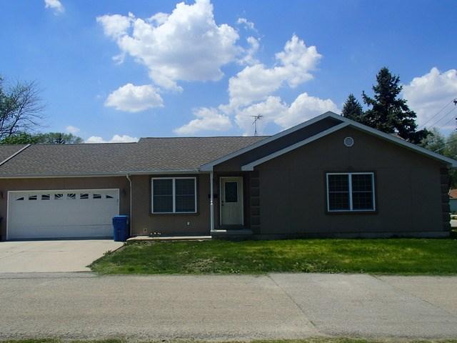 215 Buchanan St, Morris, IL 60450