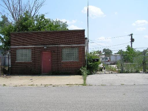 12127 S Paulina St, Calumet Park, IL 60827