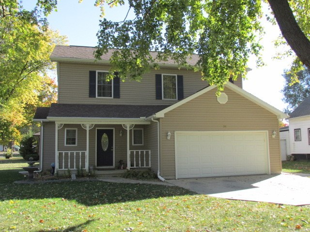 301 S Birch St, Wenona, IL 61377