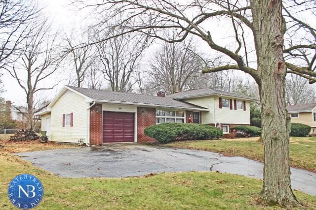 1421 Woodridge Drive, Danville, IL 61832