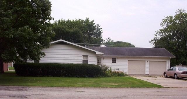 400 E Lincoln St, Seneca, IL 61360