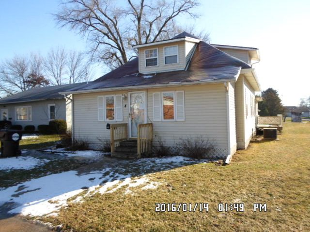 4 E Lyle Milford, Out Of County, IL 60953