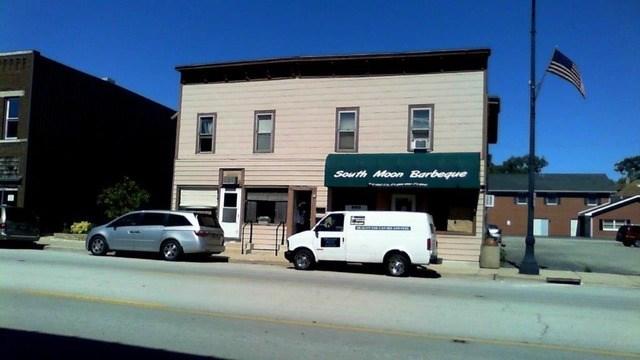 146 E Lincoln Ave, Hinckley, IL 60520