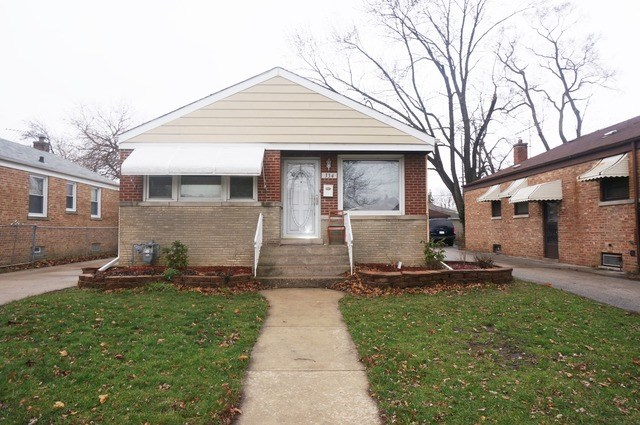 334 32nd Ave, Bellwood, IL 60104