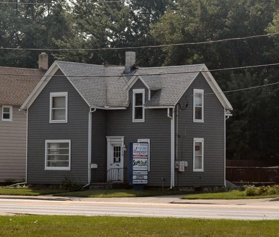 115 W Main St 2A, Cary, IL 60013