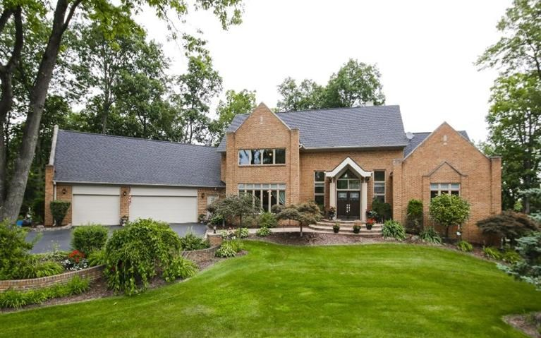 9993 Meadowcrest Court, Pinckney, MI 48169