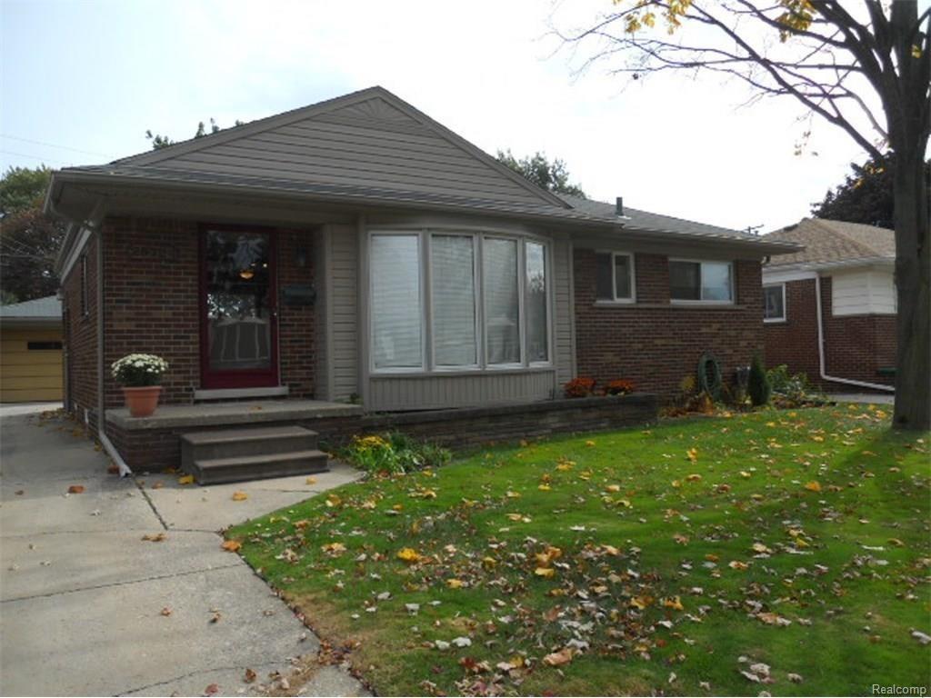 25724 HARMON Street, St Clair Shores, MI 48081