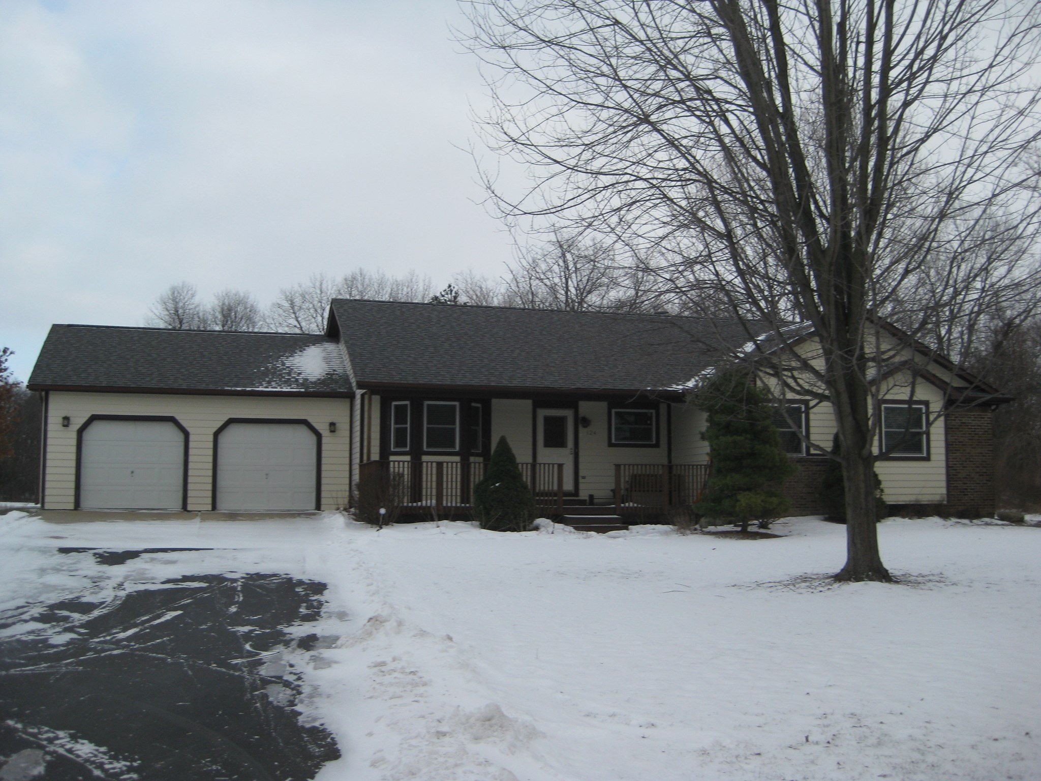124 N BALDWIN Road, Oxford Twp, MI 48371