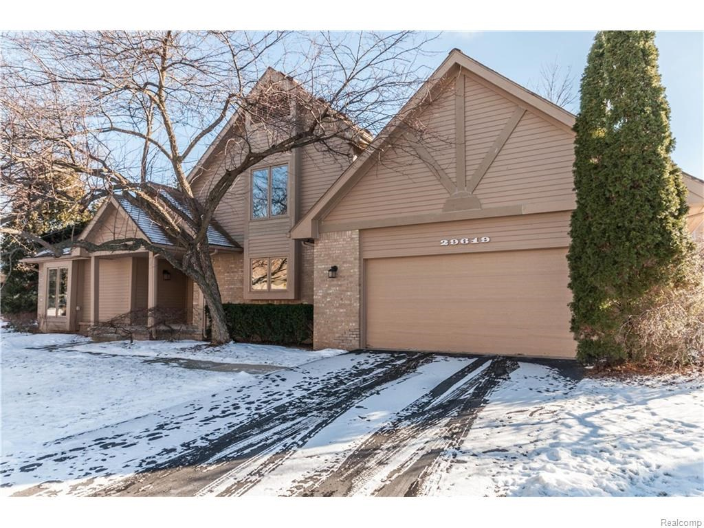 29619 NOVA WOODS, Farmington Hills, MI 48331