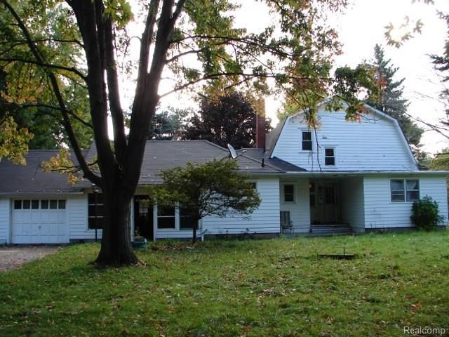 4620 GALLAGHER Road, Oakland Twp, MI 48306