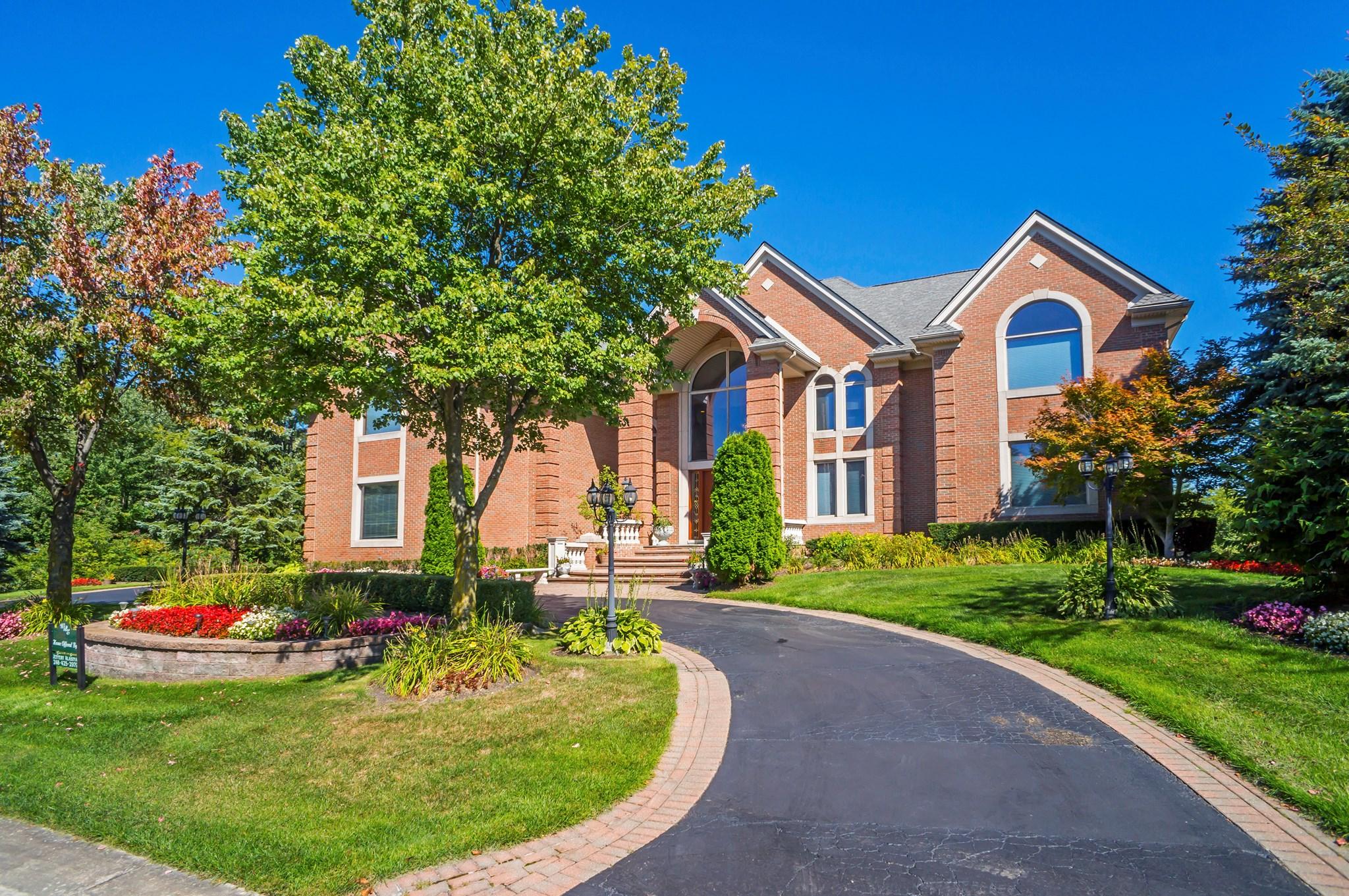 3543 CEDAR BROOK Drive, Rochester Hills, MI 48309