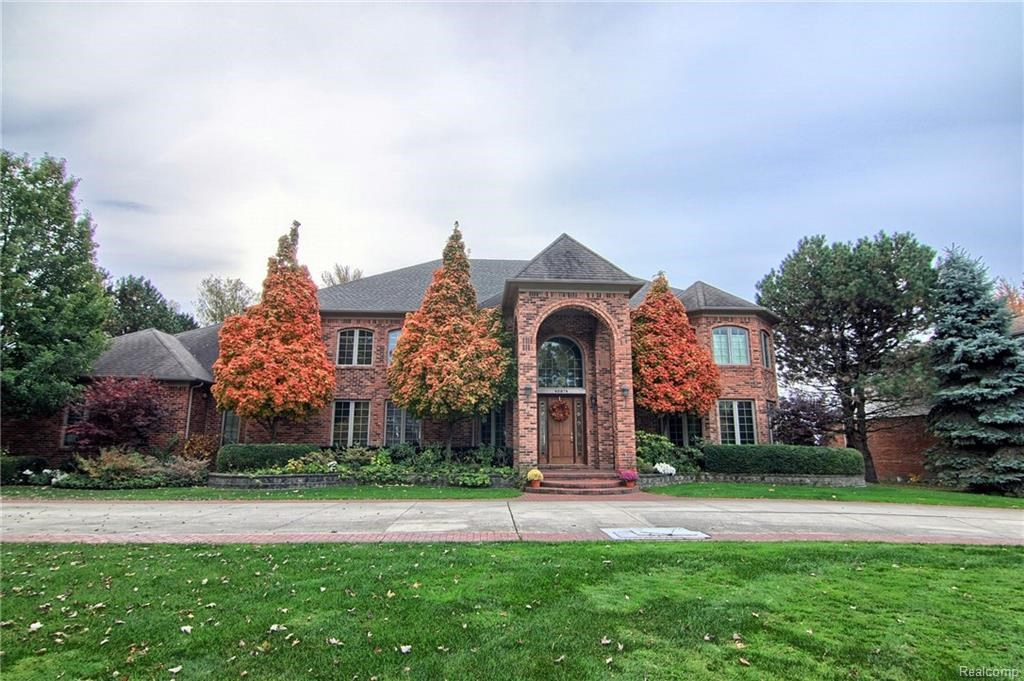 48874 POINTE LAKEVIEW, Chesterfield Twp, MI 48047