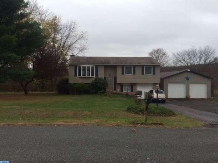 2125 LANTERN LN, East Greenville, PA 18041