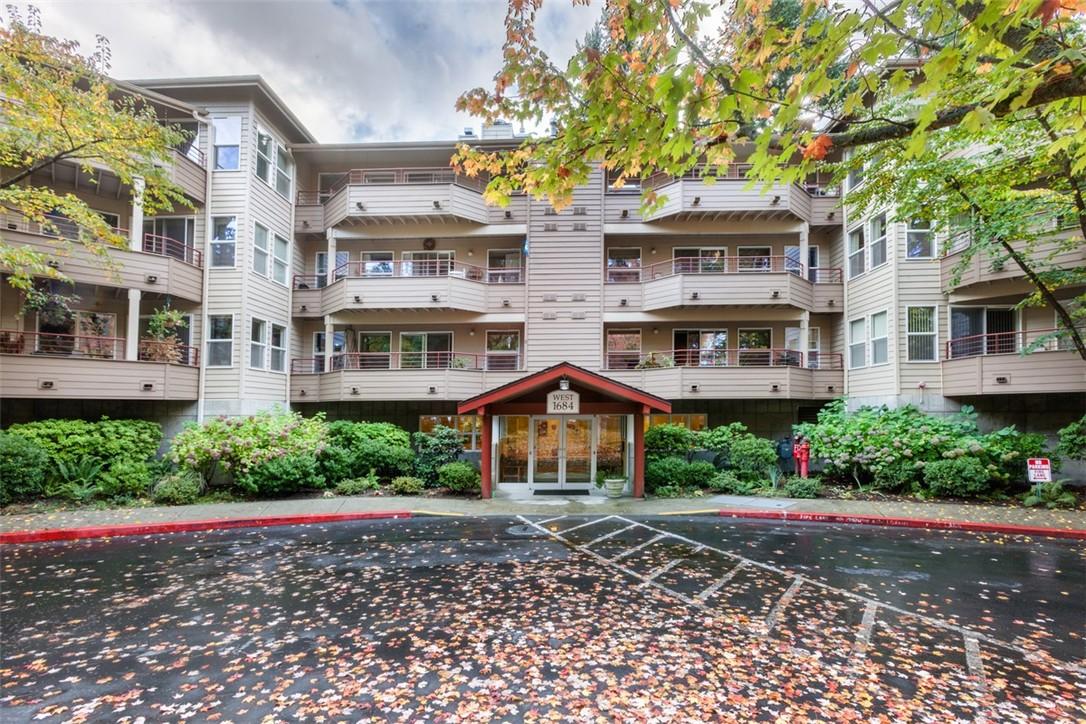 1684 152nd Ave NE Unit W103, Bellevue, WA 98007