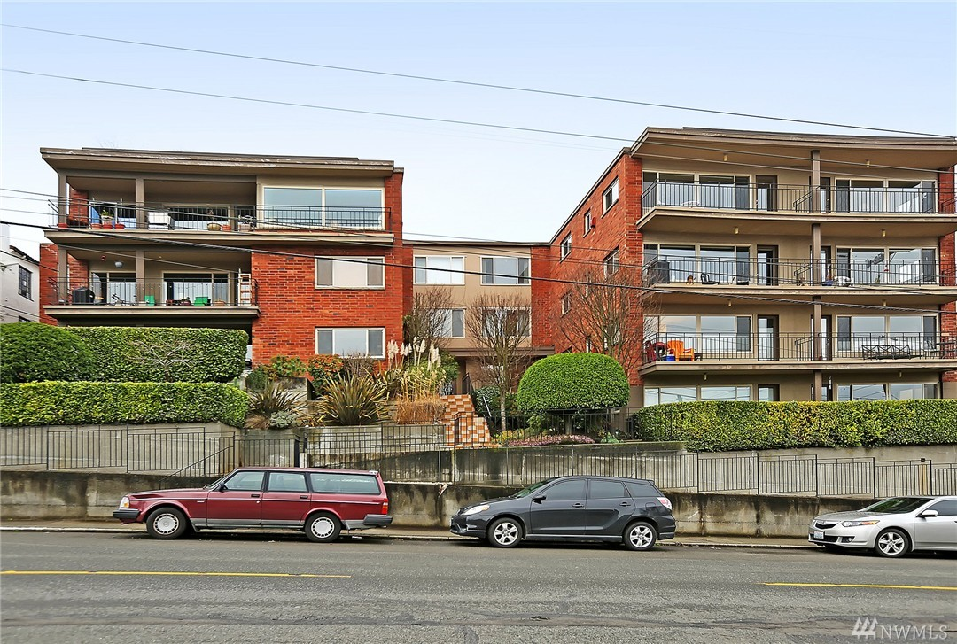 330 W Olympic Place Unit 303, Seattle, WA 98119