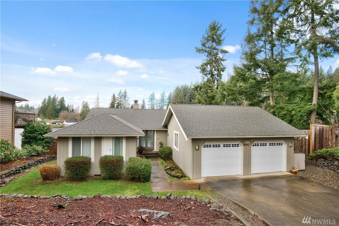 7918 Ray Nash Dr NW, Gig Harbor, WA 98335