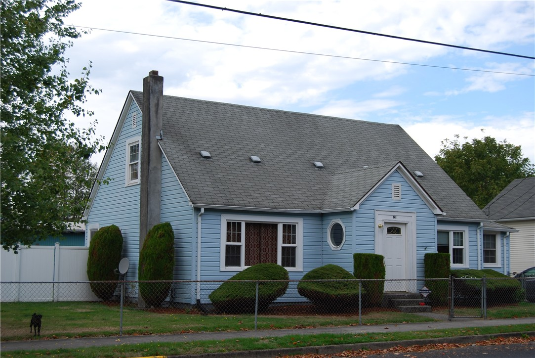 141 3rd Ave SW, Castle Rock, WA 98611