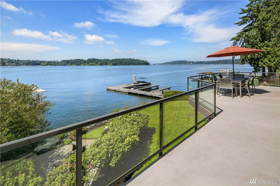 16 Meadow Lane, Mercer Island, WA 98040