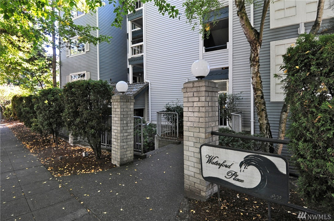 909 N 35th St Unit 103, Seattle, WA 98103