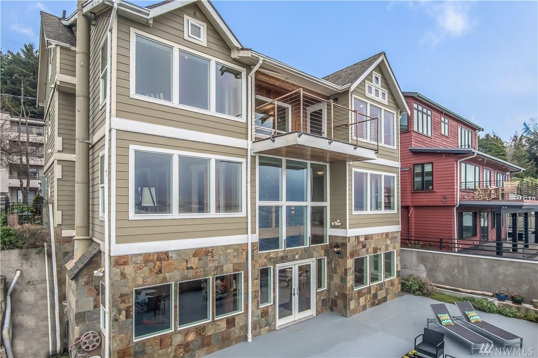 4213 Beach Dr SW, Seattle, WA 98116