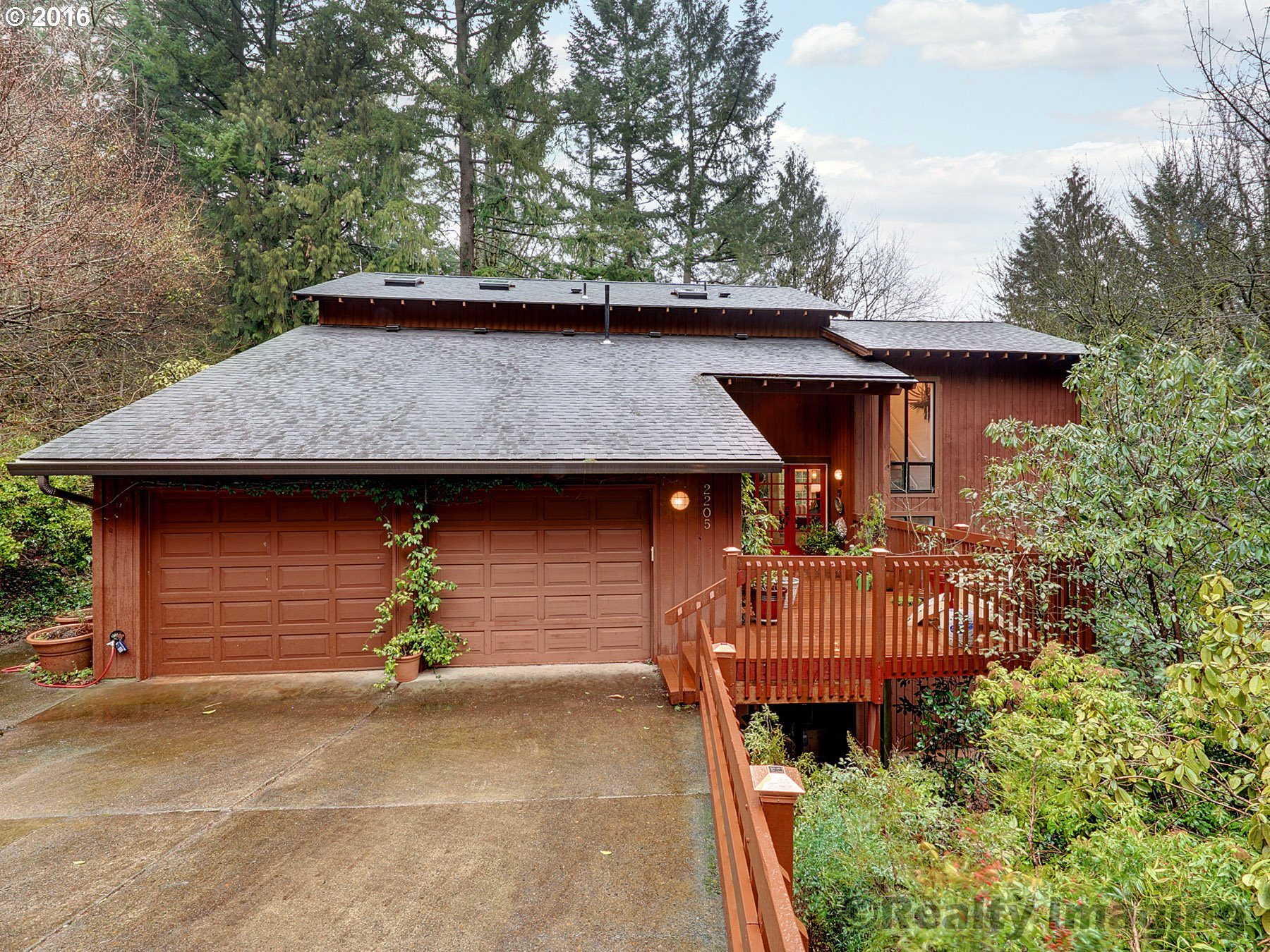 2205 SW SCENIC DR, Portland, OR 97225